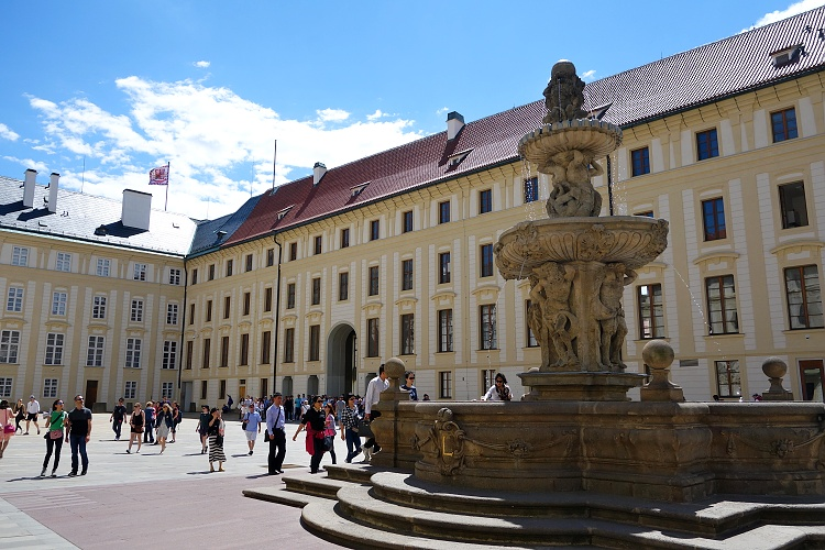Prague Castle is the largest ancient castle in the world