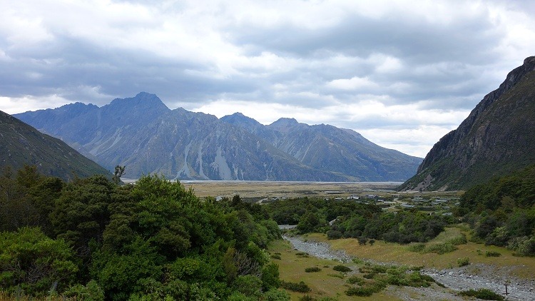 There are many ways how to save money for travelling and how to travel on a budget (Aoraki/Mount Cook National Park, New Zealand)