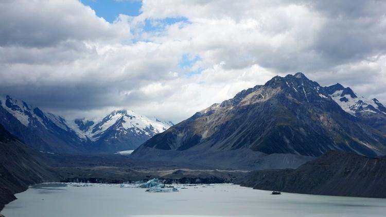 Tasman Lake, Aoraki/Mount Cook National Park, South Island, New Zealand