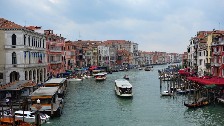There are no roads in Venice, only canals