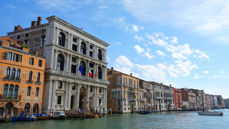 If you are travelling to Venice on a budget, you have to plan well