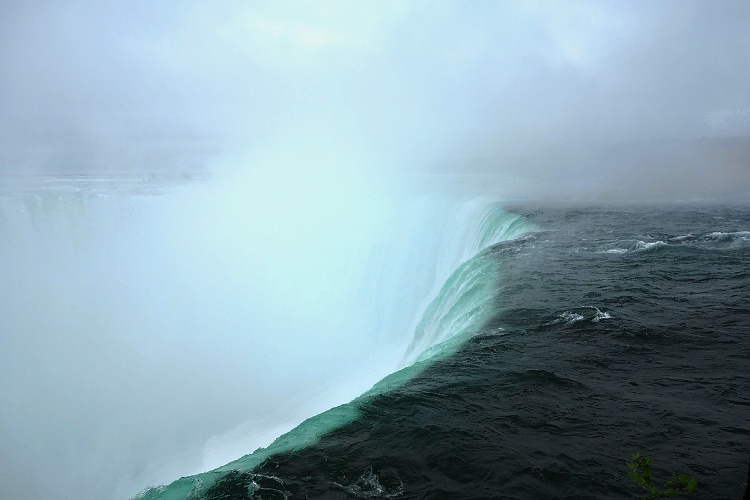 Table Rock is the closest viewpoint of Horseshoe Falls
