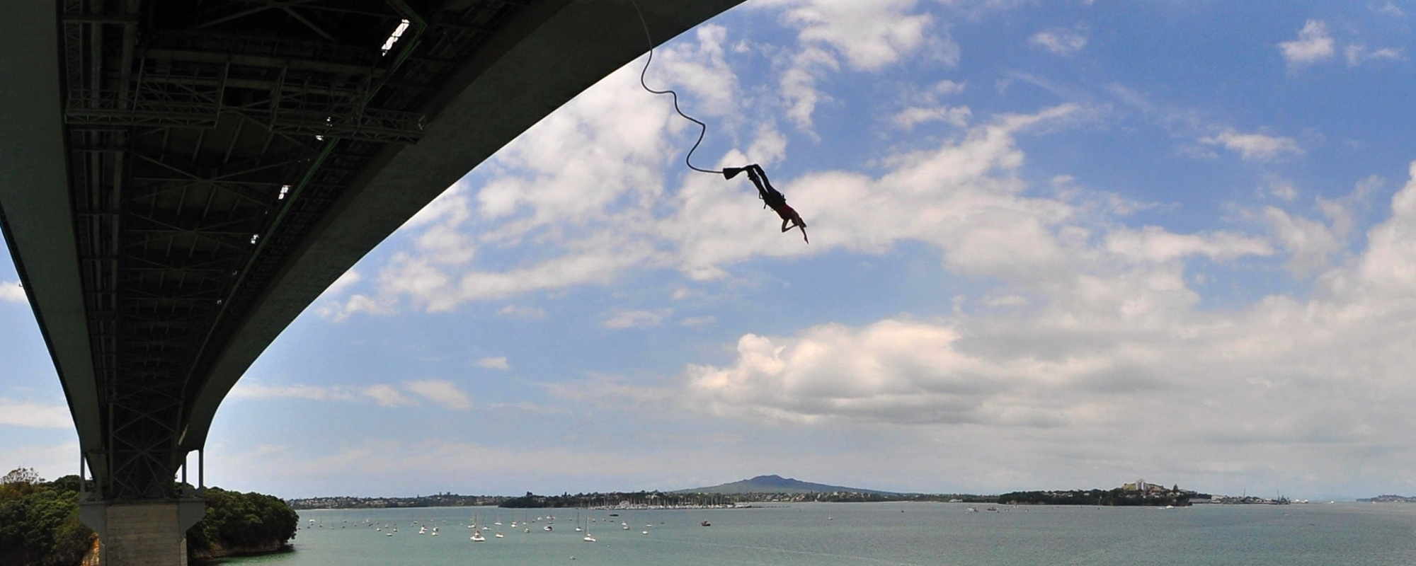 Auckland Bridge Bungy, New Zealand