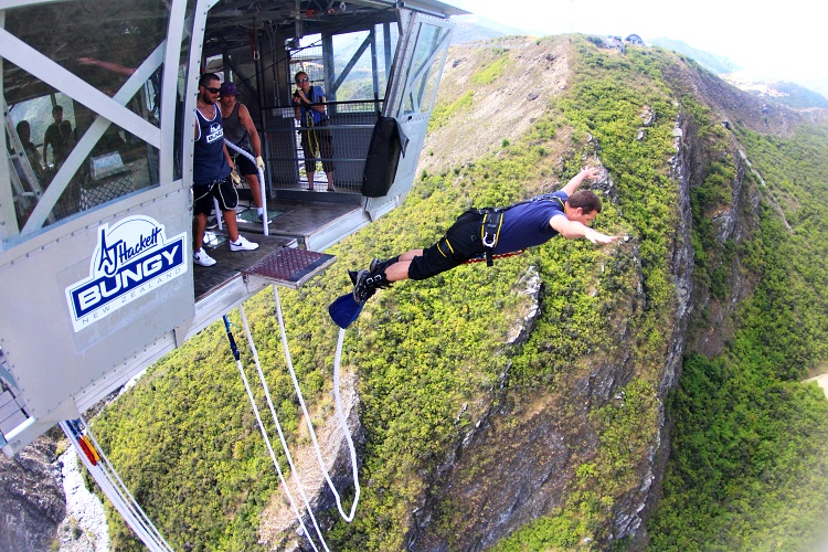 Petr conquering the Nevis Bungy