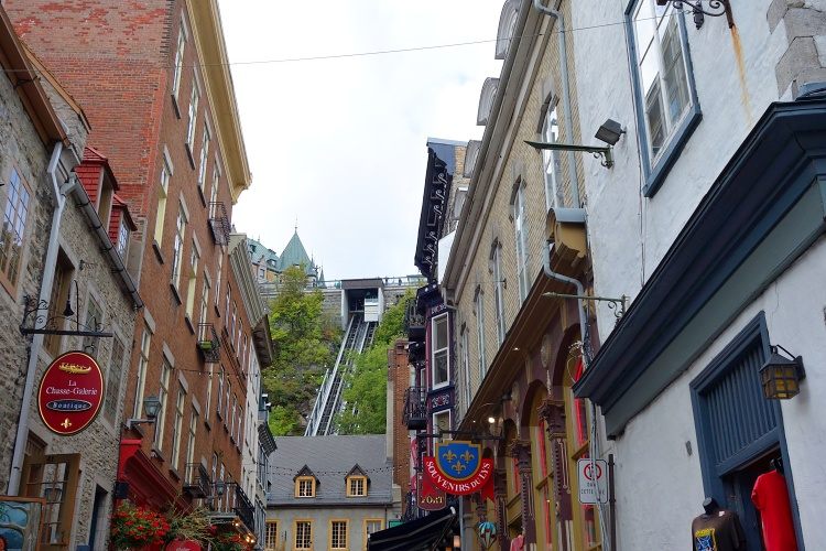 The funicular connects the lower and upper parts of Old Quebec