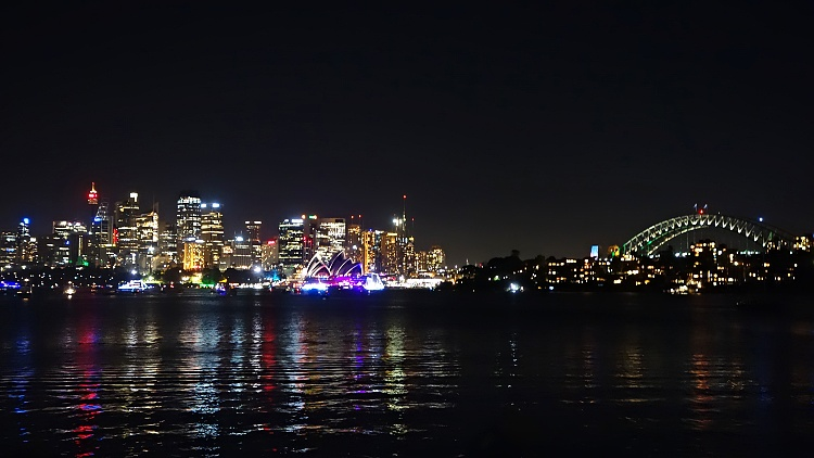 Opera House and Harbour Bridge seen from Cremorne Point Reserve