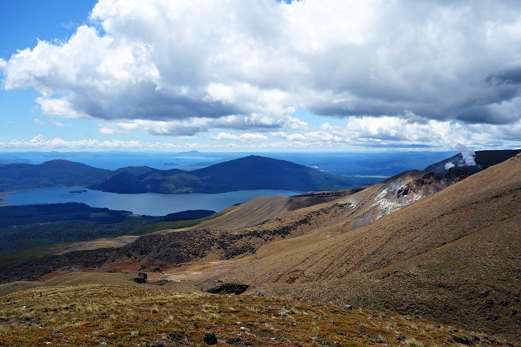 Try relocations to get a motorhome for free (Tongariro Alpine Crossing, New Zealand)