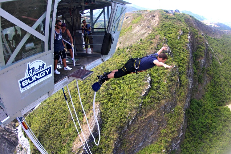 The Nevis is the highest bungee jump in New Zealand (134 metres/440 feet)