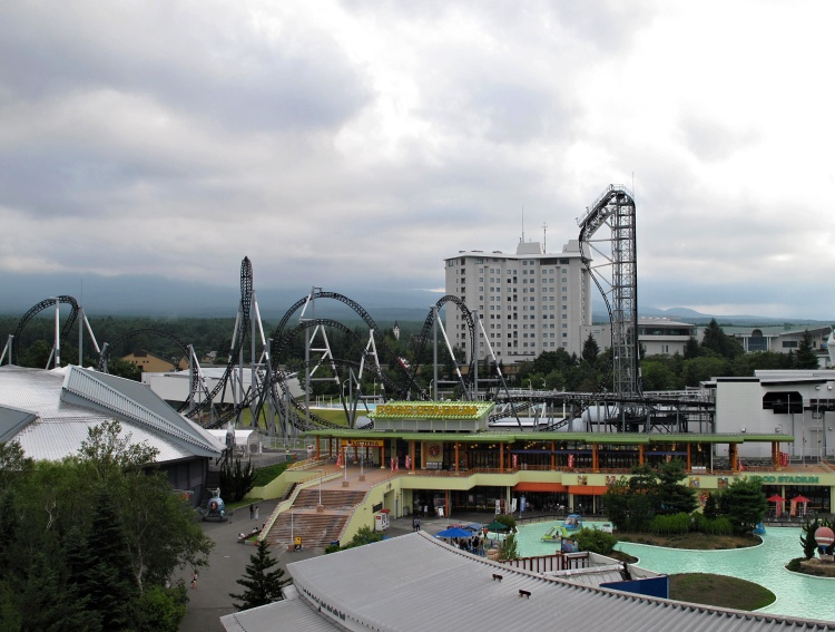 You can find some of the most challenging roller coasters in the world in Fuji-Q Highland