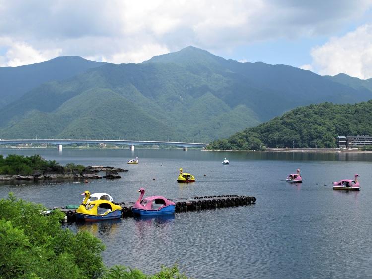 Lake Kawaguchiko offers plenty of activities to do