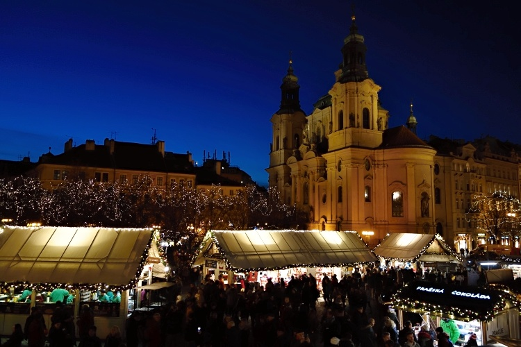 Christmas markets in Prague - Weekend evenings are the busiest