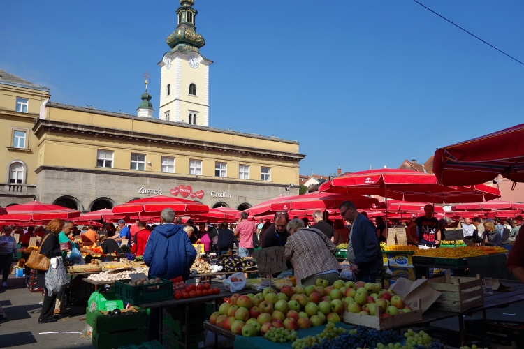 The best time to visit Dolac Market is in the morning