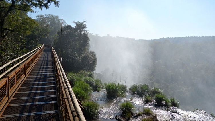 The wooden catwalk makes it easy to get very close to the falls