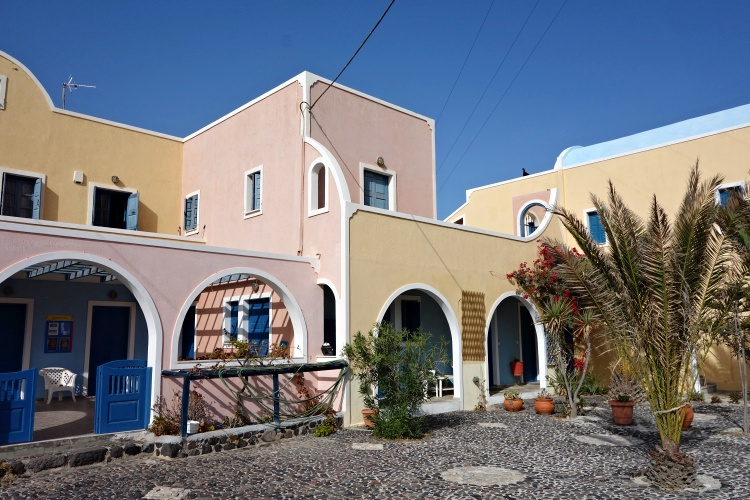 We enjoyed our stay in the Alisaxni Resort in Akrotiri but it was very quiet off season